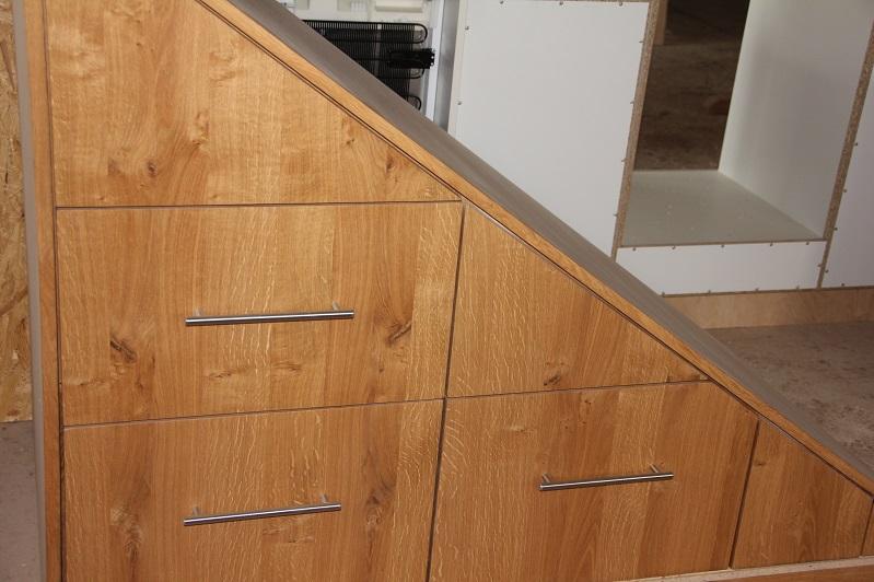 schrank unter treppe die besten 17 ideen zu schrank unter der treppe auf pinterest stauraum. Black Bedroom Furniture Sets. Home Design Ideas