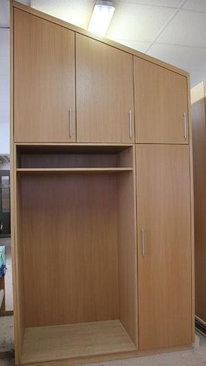 kleiderschrank dachschr ge schreinerei michael bauer. Black Bedroom Furniture Sets. Home Design Ideas